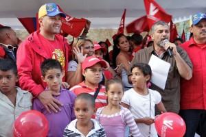 Antonio 'Potro' Álvarez acompaña a las familias que salen de refugios a viviendas dignas