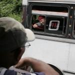 condujo un microbús junto a representantes de la Línea Miranda