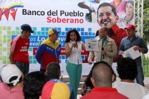 Comunidad de Carrizal recibe microcréditos aprobados por el Banco del Pueblo Soberano
