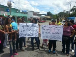 En Miranda la Escuela Estadal Andrés Eloy Blanco amanece cerrada por deterioro