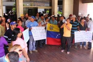 Trabajadores de la Cámara Municipal exigen reivindicaciones salariales a Carlos Ocariz