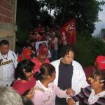 El candidato del Gran Polo Patriótico (GPP) a la Alcaldía del municipio Guaicaipuro del estado Miranda, Francisco Garcés, visitó casa por casa a los vecinos de Miranda II en Los Teques