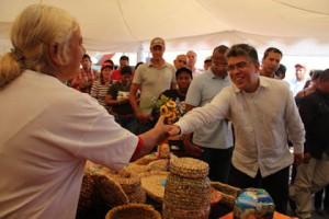 111713 MS Elias Jaua Feria Agroturistica El Jarillo 105