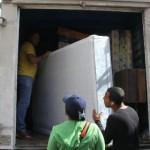 Gobierno Bolivariano entrega enseres a comunidad mirandina afectada por lluvias recientes