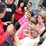 Elías Jaua, asumió con el apoyo de la alcaldía de Los Teques, la recolección de los desechos de basura sólidos mediante diez camiones de Sutramiranda