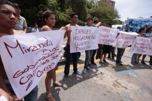 011213AVNprotestacontracapriles03